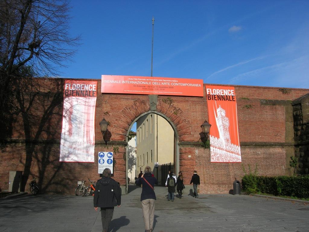 Biennale Florence buiten de poort